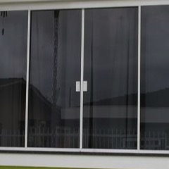 janela-de-correr-em-vidro-temperado